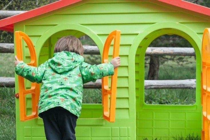 Детство без семьи: какое оно у отказных детей?