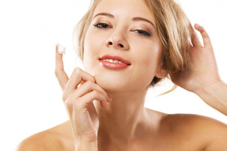 Как правильно осуществлять уход за лицом с помощью витаминов для кожи?