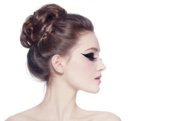 Объемный пучок на волосах