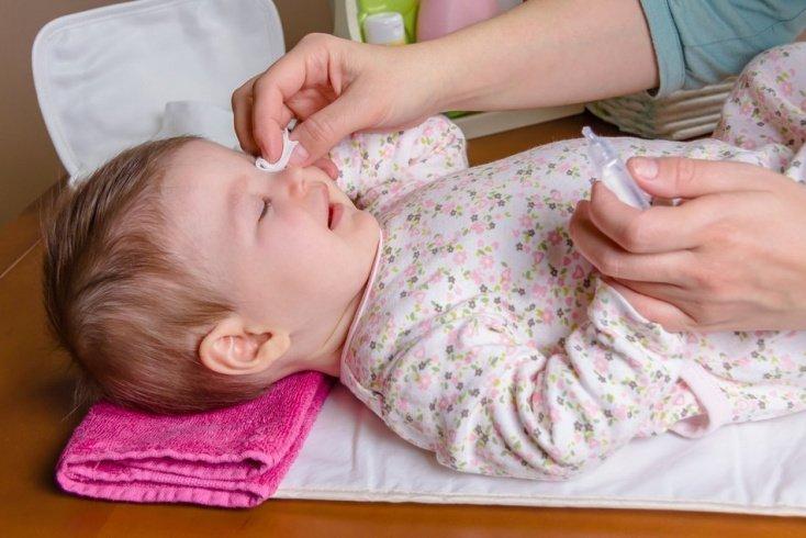 Конъюнктивит у ребенка: как помочь малышу в домашних условиях?