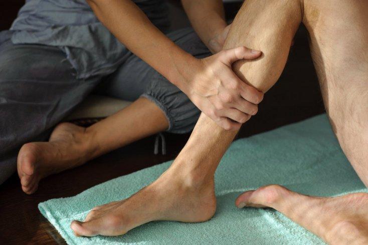 Массаж от боли при судорогах в ногах