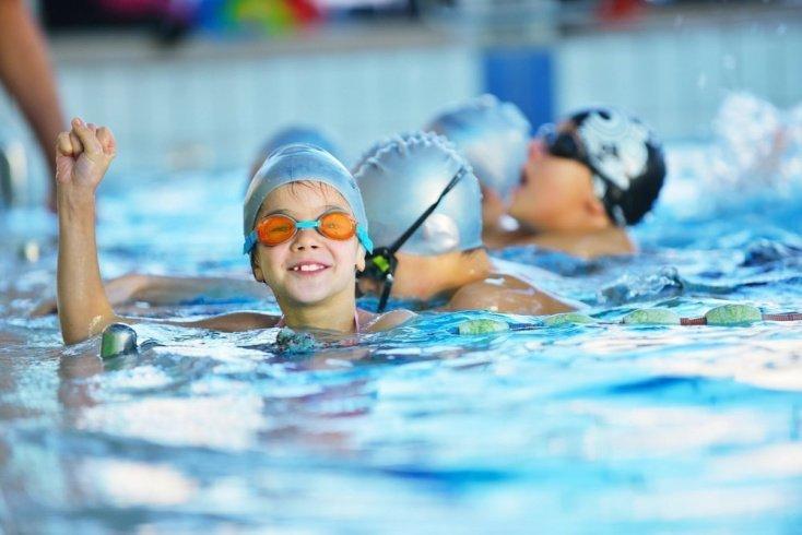 Положительное влияние плавания и спортивных игр на здоровье детей