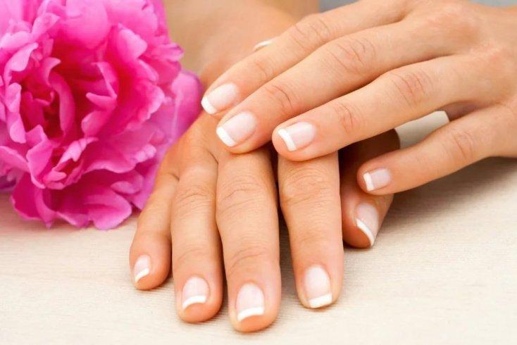 Лечебный: комплексный уход за ногтевыми пластинами