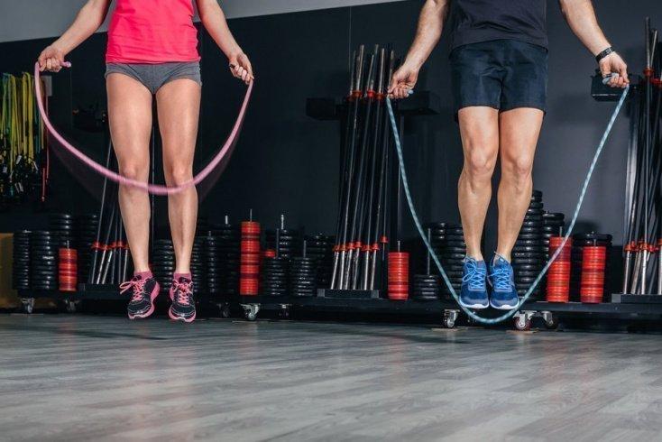 Скакалка Для Похудения Как Прыгать Видео. Как прыгать на скакалке – советы экспертов и программа занятий для новичков. Инструкция, как использовать скакалку, что бы похудеть!