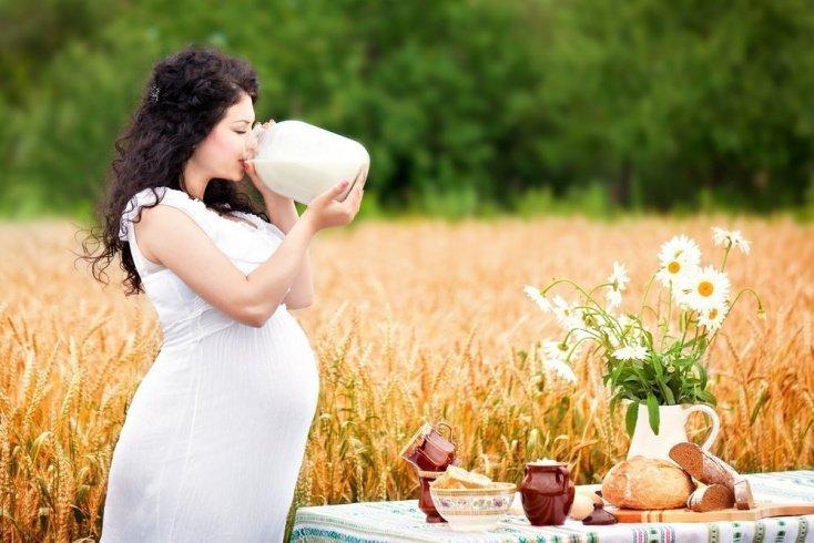 Красный цвет: продукты, которых следует избегать во время беременности