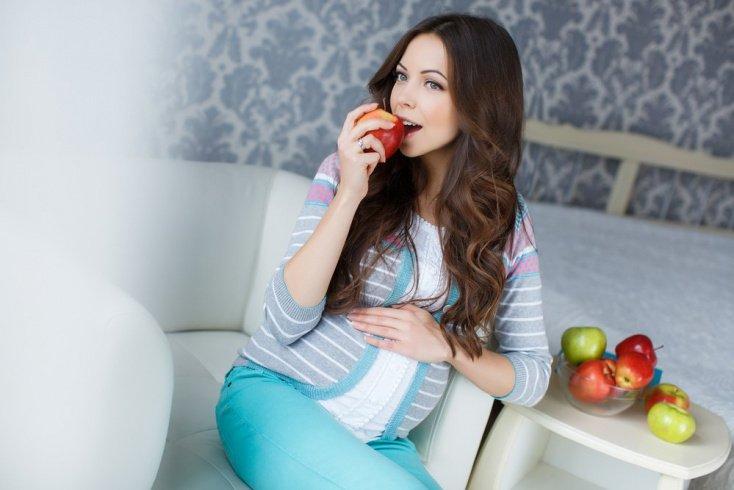 Яблоки — то, что необходимо при беременности
