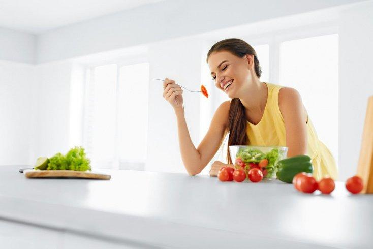 Питание и красота женских волос