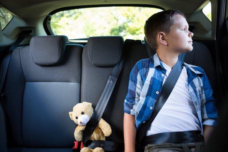 Почему взрослым трудно придумывать развлечения для детей?