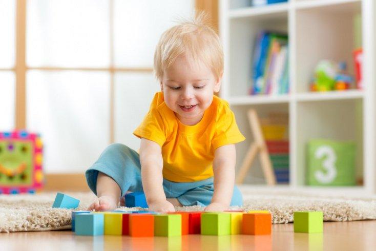 Дети. Раннее развитие внимания