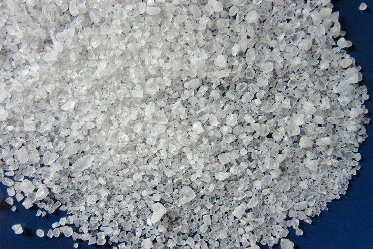 Здоровье и красота волос: польза морской соли