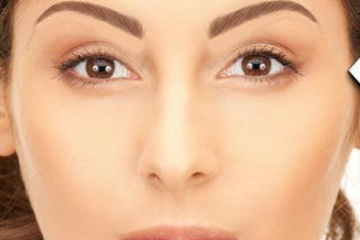 4. Коррекция бровей с Eyebrows By ModiFace Источник: a3.mzstatic.com