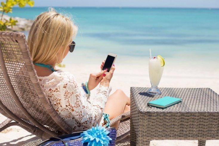 «Спутник в дорогу»: советы экспертов во время отпуска