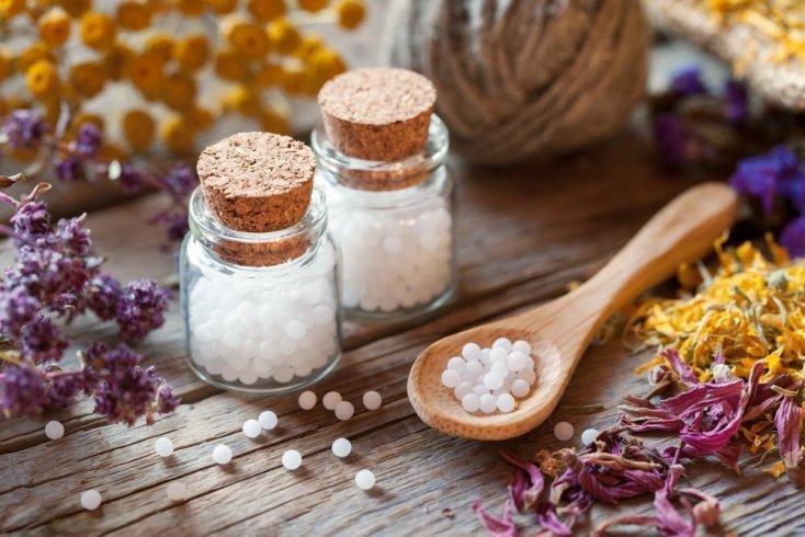 Лучше применять растительные препараты и гомеопатию, чем пить лекарства
