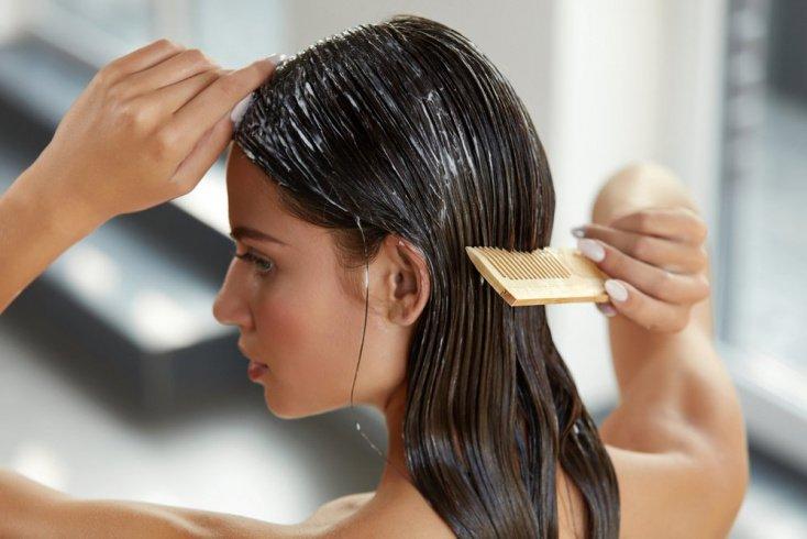 Гладкие волосы: банановая маска