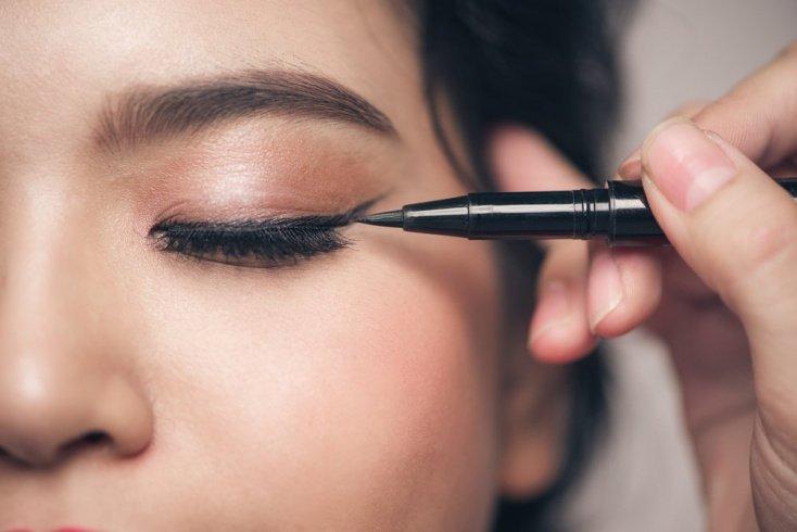 Подводка-фломастер для макияжа со стрелками