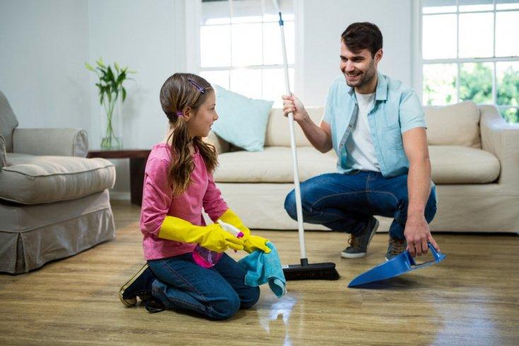 Что должно быть в приоритете у ребенка: уроки или уборка?