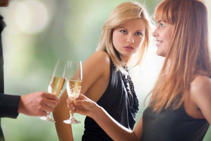 Женская дружба: как раскрыть обман? Советы врачей-психологов