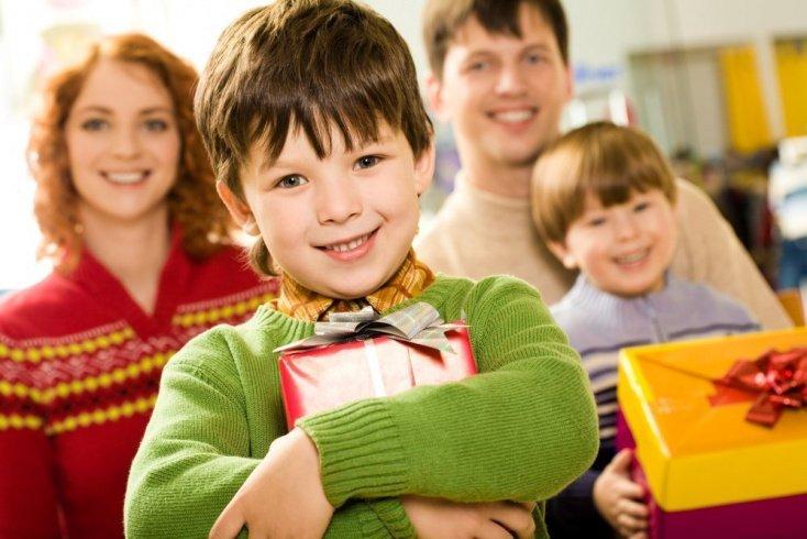 Стоит ли родителям советоваться с детьми при выборе подарка?