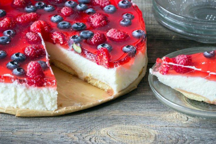 Полезные рецепты: ягодный желейный чизкейк