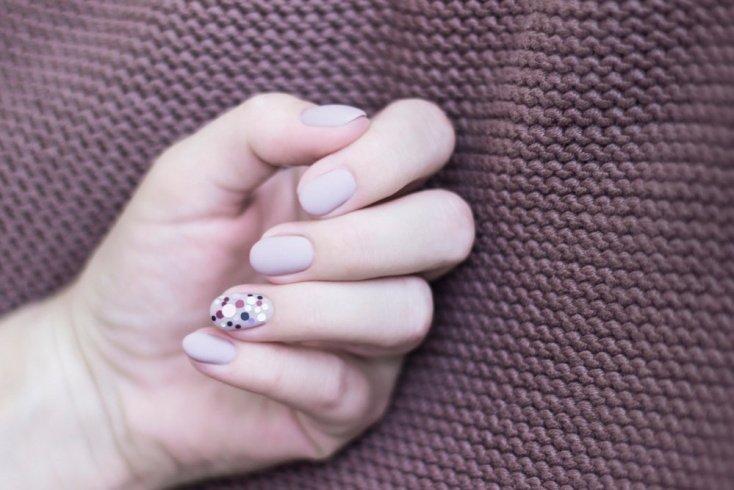 Дизайн ногтей с пайетками