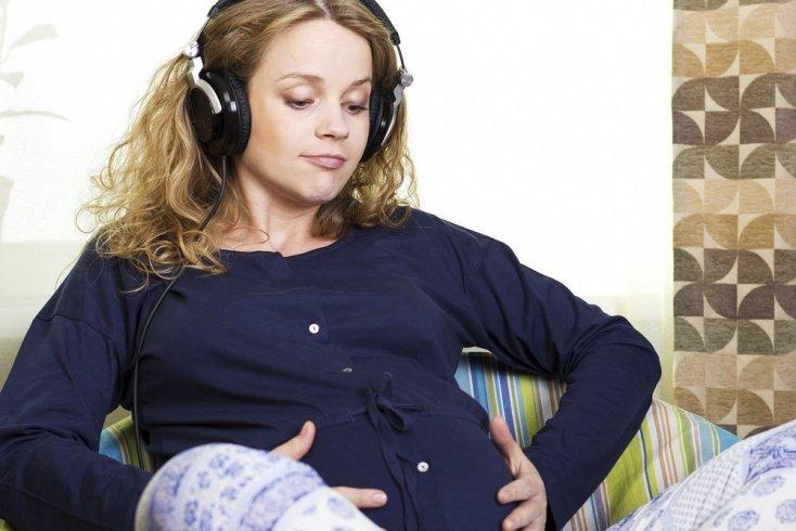 Одежда из натуральных тканей — идеальный выбор будущей матери