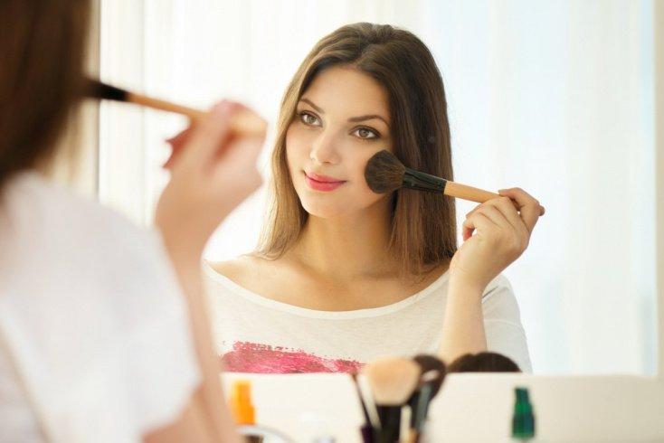 Свежий макияж — залог успеха