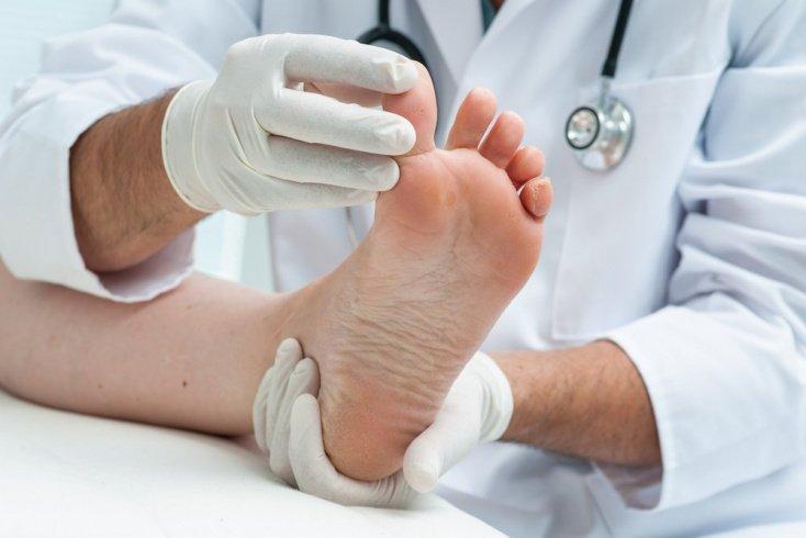 Что же делать с вросшим ногтем? Как убрать боль и воспаление?