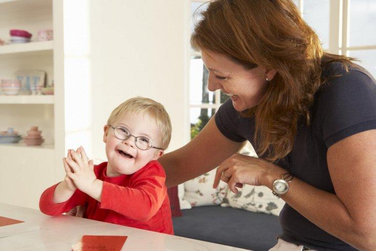 Воспитание детей в семье: раскрываем потенциал «солнечных деток»