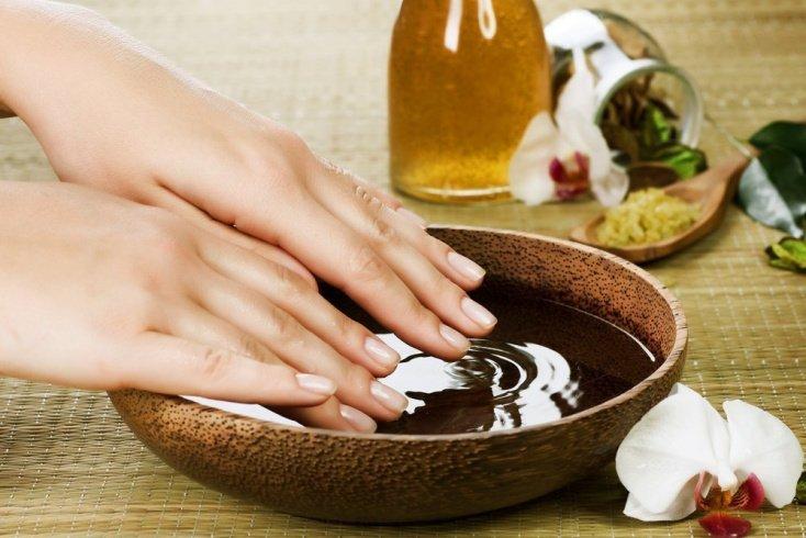Секреты красоты рук с травяными ванночками