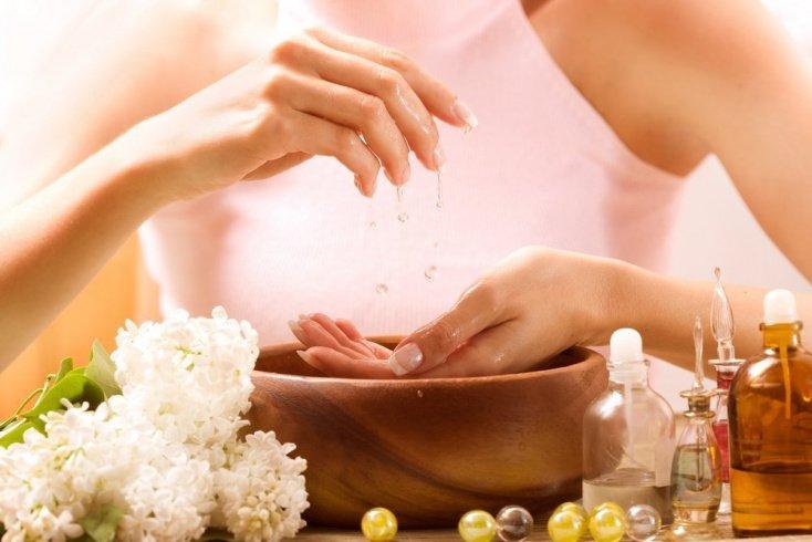 Привычка 4: Делать маникюр после ванночки для рук