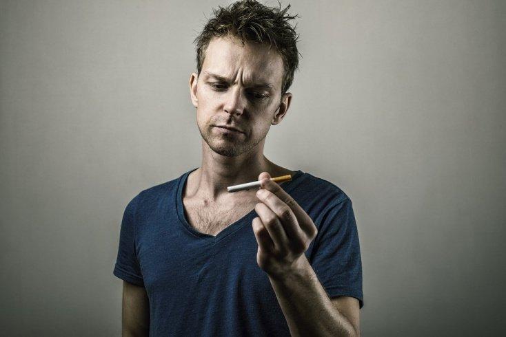 Курение – причина депрессии: диагностика и лечение