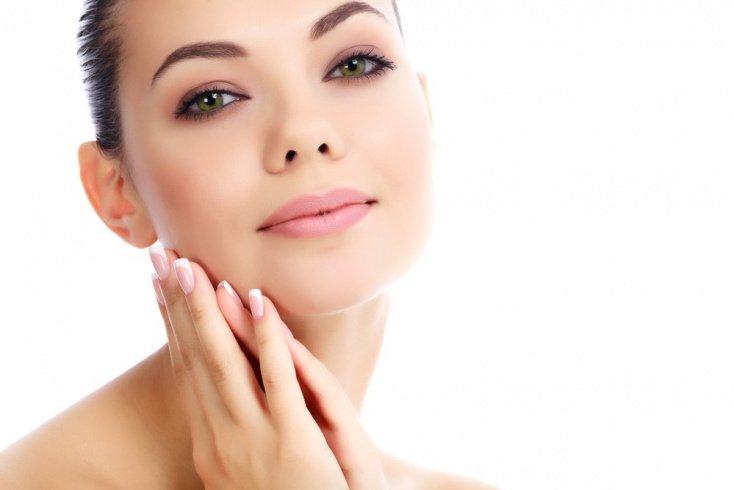 Скрабы в уходе за жирной кожей: важность процедуры пилинга