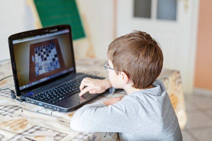 Как действовать родителям при компьютерной зависимости ребенка