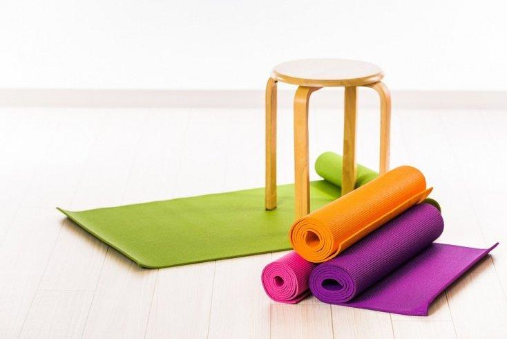 Чем можно заменить коврик для йоги?