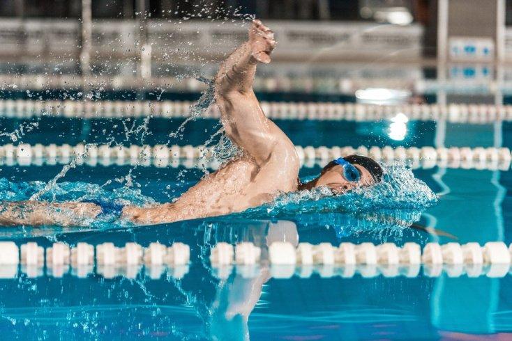 Структура фитнес-программы для занятий в бассейне