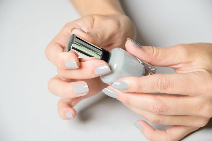 Как выбрать безопасный лак для ногтей