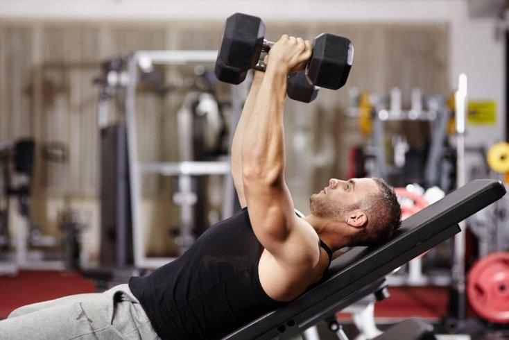 Применения жима гантелей в фитнесе для грудных мышц