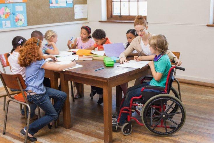 Отношение к детям-инвалидам: тактичность или дефицит общения?