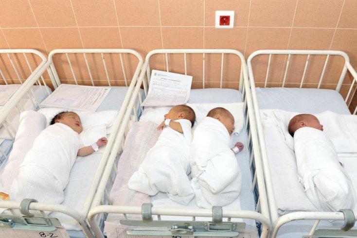 «Скорее всего, ребенка заразили в роддоме после родов» Источник: bibiphoto / Shutterstock.com