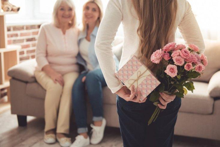 Пожелания бабушке либо дедушке: незабываемое торжество