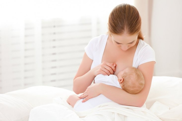 Миф: «Маленькая грудь менее продуктивна при вскармливании ребенка»