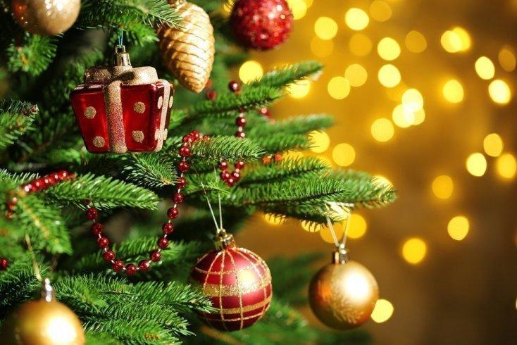 Триггер аллергии №2 — новогодние декорации и елочные украшения