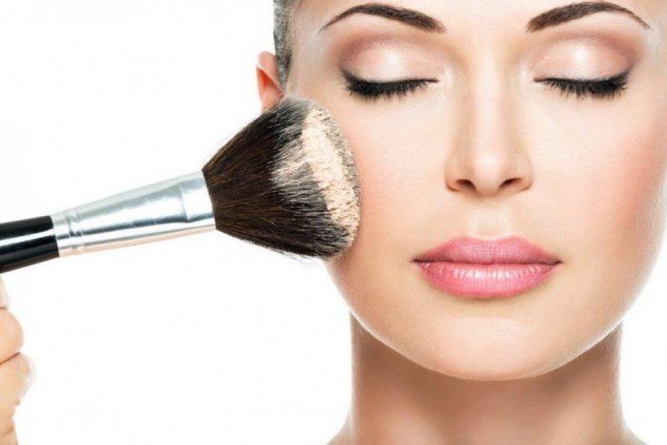 Что такое минеральная косметика и каково ее влияние на кожу лица?