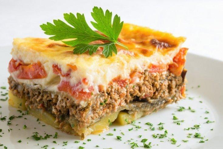 Из каких продуктов питания готовится греческая мусака?