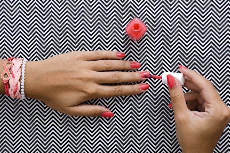 Что ждет тех, кто красит ногти каждый день