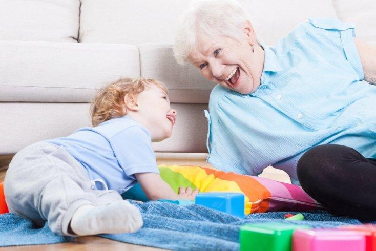 Бабушка и няня