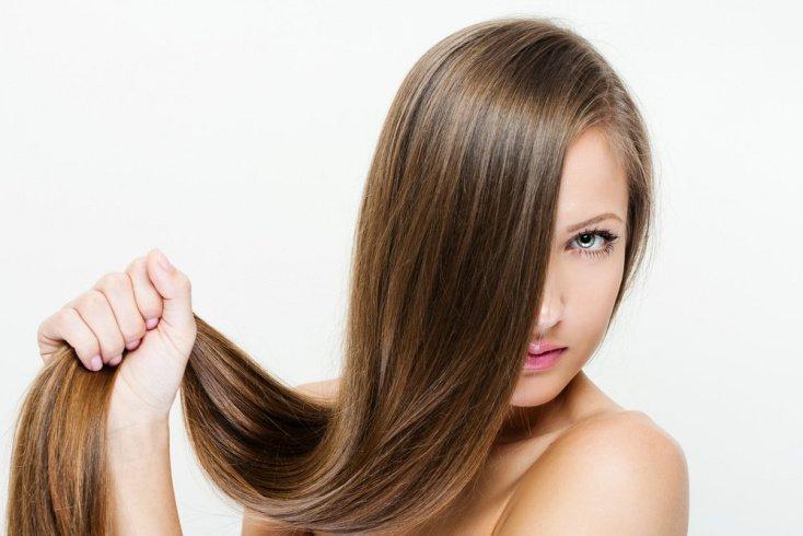 6. Привычка часто трогать волосы, чесать кожу головы