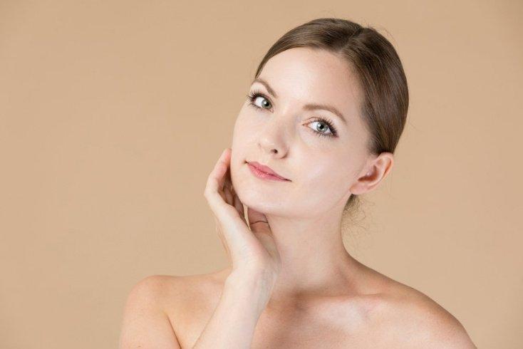 Ошибка №6: использовать трафареты для макияжа бровей