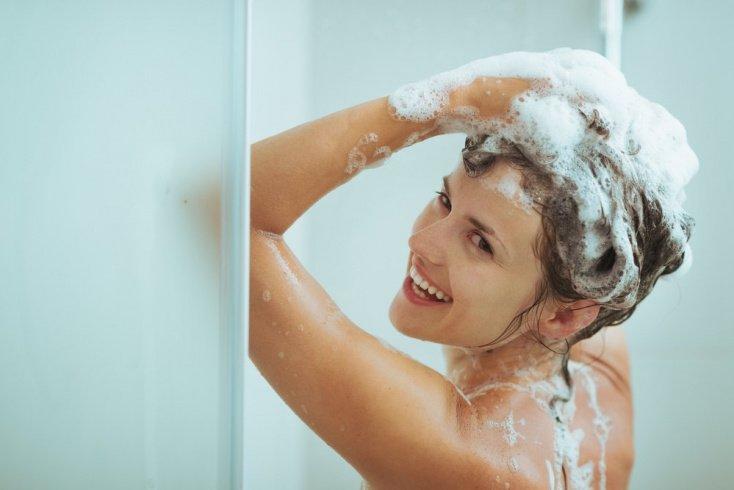 Выбирайте правильный шампунь для красоты локонов