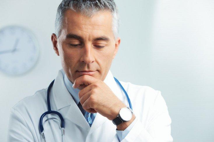 Дева: педантичный и требовательный врач